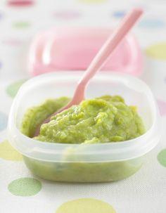 Si vous pensiez pouvoir éveiller les papilles de bébé avec un biberon, vous êtes loin du compte. L'apprentissage du goût commence dès ses quatre mois révolus. http://www.elle.fr/Elle-a-Table/Les-dossiers-de-la-redaction/News-de-la-redaction/Quels-petits-pots-maison-preparer-pour-bebe-2708714