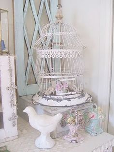 More of those pastel floral basket doorstops that I love!