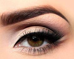 Makeup for hazel eyes: smokey cat eye makeup for sagging eyelids Hazel Eye Makeup, Dramatic Eye Makeup, Hooded Eye Makeup, Cat Eye Makeup, Dramatic Eyes, Makeup For Green Eyes, Eye Makeup Tips, Hazel Eyes, Makeup Contouring