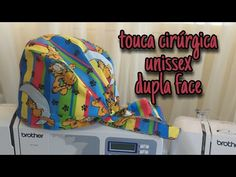 Touca Cirúrgica unissex- dupla face (molde grátis) - YouTube Scrub Caps, Scrubs, Youtube, Spring Crafts, Scrub Hats, Dress Template, Unisex, Beret, Mascaras