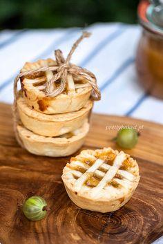 Mini-tartlets with gooseberry jam\ Food Photography Styling, Food Styling, Gooseberry Jam, Mini Tartlets, Pancake Muffins, Pancakes, Holiday Baking, No Bake Desserts, No Bake Cake