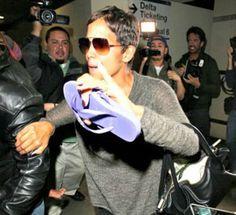 Halle Berry: Επιτέθηκε σε paparazzi! Δείτε το video!