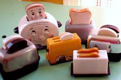 Vintage toaster salt and pepper shakers