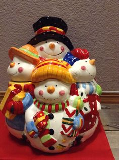 Vintage Large Christmas Snow Family ceramic Cookie Jar . Christmas Sale coupon code 10PERCENTOFF plus marked down sale price by BentleyUpcycleShed on Etsy https://www.etsy.com/listing/214380416/vintage-large-christmas-snow-family