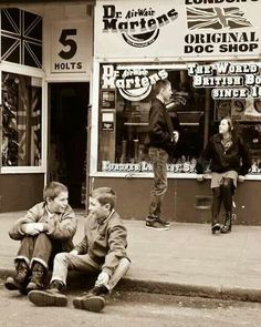 Skinhead About Our Subculture! Oi, Rash, Sharp, Traditional and Trojan. We Are Not Nazis! We Are Skinheads! Dr. Martens, Youth Culture, Pop Culture, Pugs, Skinhead Fashion, Skinhead Style, Skinhead Girl, Mode Rock, Youth Subcultures