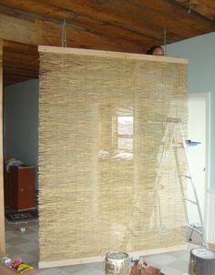 wohnzimmer trennwand aus rattan