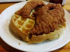Waffle maker + chicken fingers = infinite chicken and waffles. | 19 Food Hacks For College Cafeterias