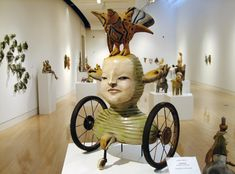 my awesome boss at the clay cafe Mixed Media Sculpture, Sculpture Art, Clay Dolls, Art Dolls, Art Carved, Assemblage Art, Creative Art, Art Museum, Art Gallery