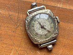 Antique Esef Watch Co. Antique Gold, Antique Jewelry, Art Deco Watch, Currently Working, 1920s Art Deco, Antique Watches, Art Deco Design, Gold Watch, Vintage Ladies