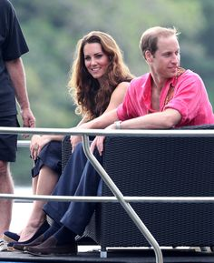 HONIARA, GUADALCANAL ISLAND, SOLOMON ISLANDS - SEPTEMBER 17: Catherine, Duchess of Cambridge and Prince William, Duke of Cambridge visit Tuvanipupu Island on their Diamond Jubilee tour of the Far East on September 17, 2012 in Honiara, Guadalcanal Island. Prince William, Duke of Cambridge and Catherine, Duchess of Cambridge are on a Diamond Jubilee tour representing the Queen taking in Singapore, Malaysia, the Solomon Islands and Tuvalu. (Photo by Chris Jackson - Pool/Getty Images)