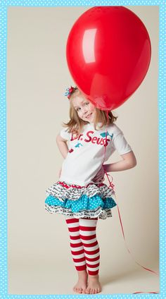 this is a great photo idea for Dr. Seuss birthday theme party ! which anyone can make into a poster later! C: