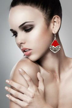 www.polandhandmade.pl #polandhandmade #ceramika #zudesign  Earrings by Zu Design  - ceramics & silver www.zudesign.eu