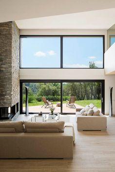Symmetrien mit der Natur - Haus in Barcelona von Susanna Cots - Rooms with a View Modern House Design, Modern Interior Design, Luxury Home Decor, Luxury Homes, Exterior Design, Interior And Exterior, Room Interior, Casa Loft, House In Nature