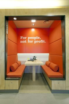 People's Choice Credit Union by Design Clarity Credit Union's are for people not for profit. Corporate Interiors, Office Interiors, Bank Interior Design, Ing Direct, Upholstered Wall Panels, Banks Office, Corridor Design, Three Bedroom House Plan, Booth Seating