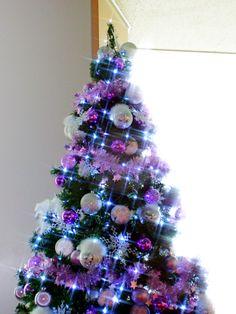 A Christmas tree produced by Ai Mikaze