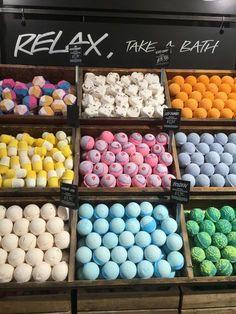 Relax take a bath lush life Lush Aesthetic, Aesthetic Boy, Bath Booms, Lush Store, Frankie Sandford, Lush Bath Bombs, Lipgloss, Handmade Cosmetics, Mason Jar Diy
