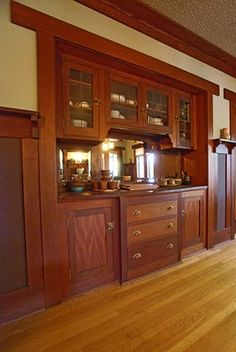 New house styles craftsman bungalows dining rooms Ideas Craftsman Home Interiors, Craftsman Decor, Craftsman Interior, Craftsman Furniture, Craftsman Kitchen, Craftsman Style Homes, Craftsman Bungalows, Craftsman Built In, Mission Style Homes