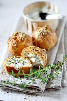 ondivaga:    Miss Daily Mood: Reblog Gougères et Fromage aux Herbes Fraîches ♥