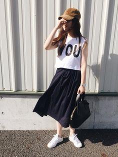 綿100%のギャザースカートはさらりとした着心地で春夏大活躍しそう  今日から3日間お使いいただける2000円offクーポンでこのスカートもgetできます✨  カラーも豊富なので他の色も欲しくなってしまいました   instagram▷▶︎▷  _azusaloha_