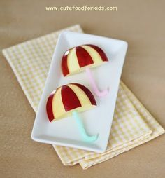 Cute umbrella #snacks -- perfect for rainy days :) || #LittlePassports #cute #food for #kids