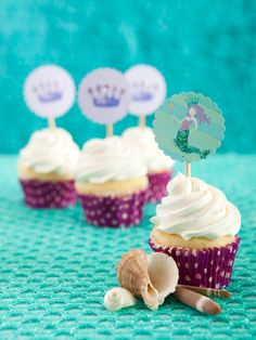 Adding the details e. the shells can really create a wonderful under-the-sea theme Mermaid Birthday, 5th Birthday, Birthday Ideas, Birthday Parties, Birthday Cake, Mermaid Cupcakes, Party Cupcakes, Cute Cupcakes, Little Mermaid Parties