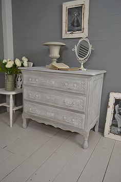#letstrove This delightful chest of drawers has been painted using a dry-brush effect in Annie Sloan Paris Grey, Old White & F&B Plummet - comes with Free UK Delivery! https://www.thetreasuretrove.co.uk/bedroom-storage/small-3-drawer-shabby-chic-french-chest-of-drawers #frenchfurniture #anniesloanparisgrey #vintagelove #shabbychicdressersgrey