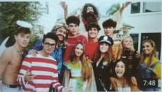 Best Friend Poses, Best Friends, Merell Twins, Rivera Family, Sofie Dossi, Squad Photos, Brent Rivera, 24 Years Old, Best Youtubers
