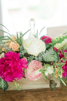 Ruffled – photo by http://www.jackierayphotography.com/ – http://ruffledblog.com/texas-backyard-wedding-ideas/