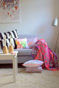 home, decor, sofa, cushion, rug, colorful, pretty, ideas, decoration,