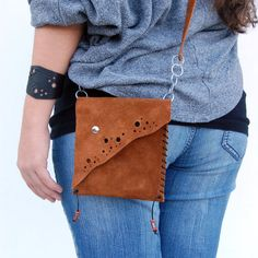 Handmade Leather Bags satchel purse pouch by ForgianticaLeather, $25.00 Leather Jewelry, Leather Craft, Leather Purses, Leather Handbags, Fabric Feathers, Leather Pattern, Leather Bags Handmade, Satchel Purse, Leather Working
