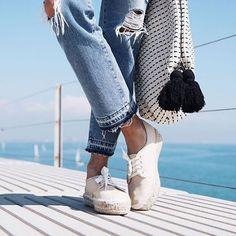 Summer must-have: le sneakers con zeppa in corda! Credits: COOHUCO