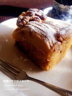林檎のザクザクケーキ by sazaebon 【クックパッド】 簡単おいしいみんなのレシピが318万品 Sweets Recipes, Cake Recipes, Desserts, Banana Bread, French Toast, Pork, Baking, Breakfast, Cookpad