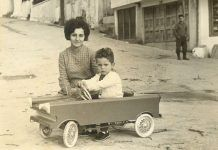 My first car Vintage Pictures, Old Pictures, Old Photos, Greece Pictures, Old Greek, The Son Of Man, Photographs Of People, Athens Greece, Small Cars