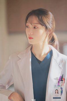 Korean Celebrities, Korean Actors, Lee Sung Kyung Doctors, Lee Sung Kyung Wallpaper, Doctors Korean Drama, Romantic Doctor, Girl Doctor, Girl Korea, Weightlifting Fairy Kim Bok Joo