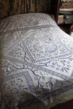 Linge ancien : dessus de lit d'exception en lin 2