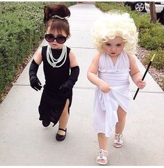 21 Halloween Costumes for Sisters Toddler Halloween Costumes so cute. Halloween Costumes For Sisters, Halloween Kostüm Baby, Family Halloween Costumes, Cute Costumes, Baby Girl Halloween Costumes, Halloween Costumes Brunette, Babies In Costumes, Marilyn Monroe Halloween Costume, Black Dress Halloween Costume