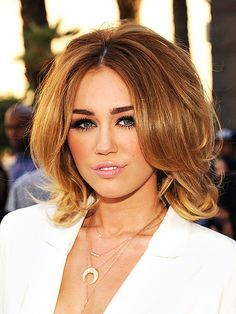 Miley Cyrus love her hair ! Miley Cyrus 2012, Hair Evolution, Mi Long, Celebrity Hairstyles, Hair Trends, New Hair, Hair Lengths, Hair Inspiration, Short Hair Styles