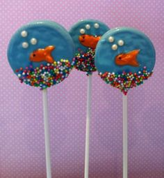 oreo biscuit pops...how cute!