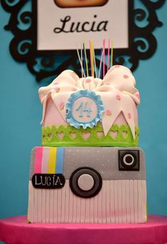 Plan a party with social media themes! Creative and the perfect theme for a tween or teen birthday!