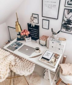 - Home Office with a feminine touch!- – Home-Office mit femininer Note! Und so – Home Office with a feminine touch! Study Room Decor, Cute Room Decor, Bedroom Decor, Bedroom Ideas, Home Office Design, Home Office Decor, Dream Rooms, Dream Bedroom, Tumblr Rooms