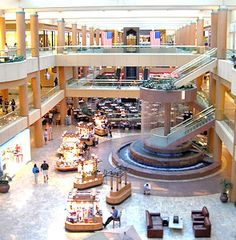Scottsdale Fashion Square Mall Scottsdale, Arizona one of the top 10 largest in America -