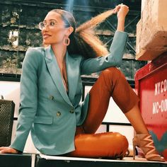 """Elaine Welteroth on Instagram: """"Friday at the office but make it fashUn."""" 30s Fashion, Star Fashion, Fashion Outfits, Fashion Trends, Elaine Welteroth, Work Wardrobe, Work Attire, Aesthetic Fashion, Summer Looks"""