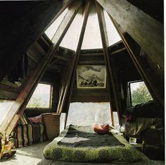 I'd loooove to have this as my own little getaway. Would be soo great to curl up with a great book!