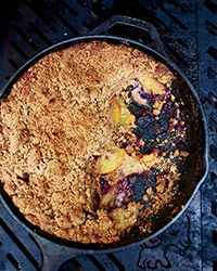 Skillet Graham Cake with Peaches and Blueberries Recipe -Stephanie Izard Blueberry Desserts, Just Desserts, Delicious Desserts, Dessert Recipes, Summer Grilling Recipes, Summer Recipes, Barbecue Recipes, Graham Cake, Cream Lemon