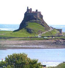 lindisfarne_castle_nigel_chadwick.jpg (225×233)