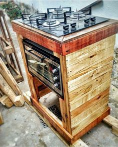 For those of us that love cooking and are in the kitchen a lot, we may begin to realize that over time we wished we had more room! Some pe. Pallet Kitchen Cabinets, Wooden Kitchen, Diy Kitchen, Kitchen Decor, Kitchen Ideas, Pallet Furniture, Kitchen Furniture, Furniture Nyc, Cheap Furniture