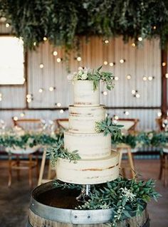 green and white wedding cakes for rustic wedding ideas 2017