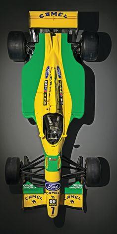 ——— world champion Michael Schumacher's - Benetton ———– F1 Racing, Drag Racing, Racing Helmets, Grand Prix, Michael Schumacher, Benetton, Parkour, Formula 1 Car Racing, F1 Wallpaper Hd
