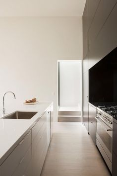 themanliness:   Modern Kitchen | Source | More