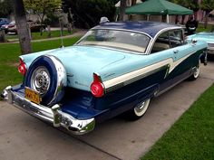 1956 Ford Motor Company. Someday I shall have this. I will be cruisin' in this with my wife or girlfriend. This is just so good lookin'!!!!